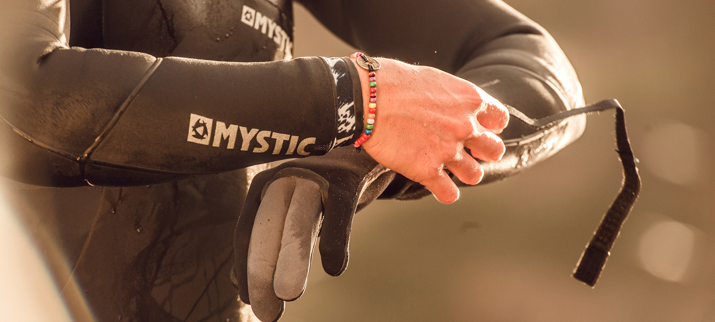 mystic-gloves-3
