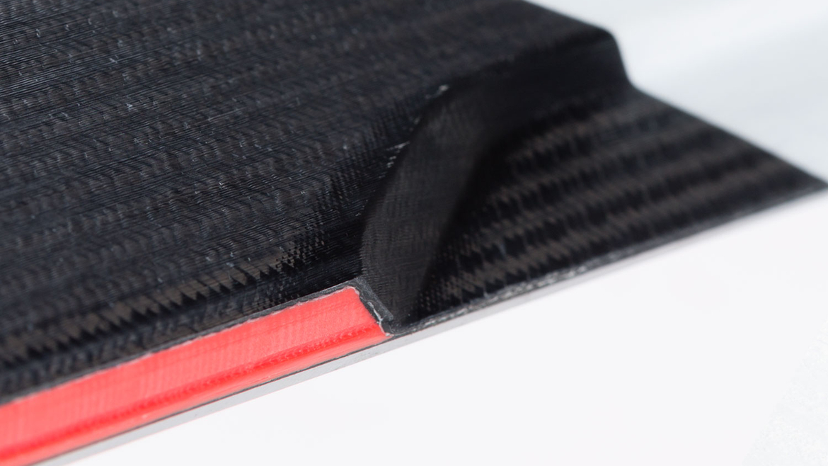 narty-volkl-center-sidewall-1
